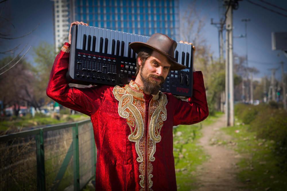 Cristian Parker y su videoclip «Las Naves»