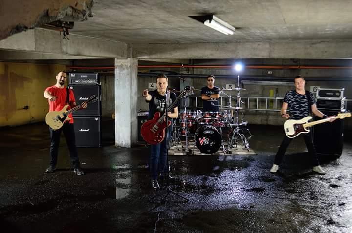 V12 estrena videoclip «Resisto»