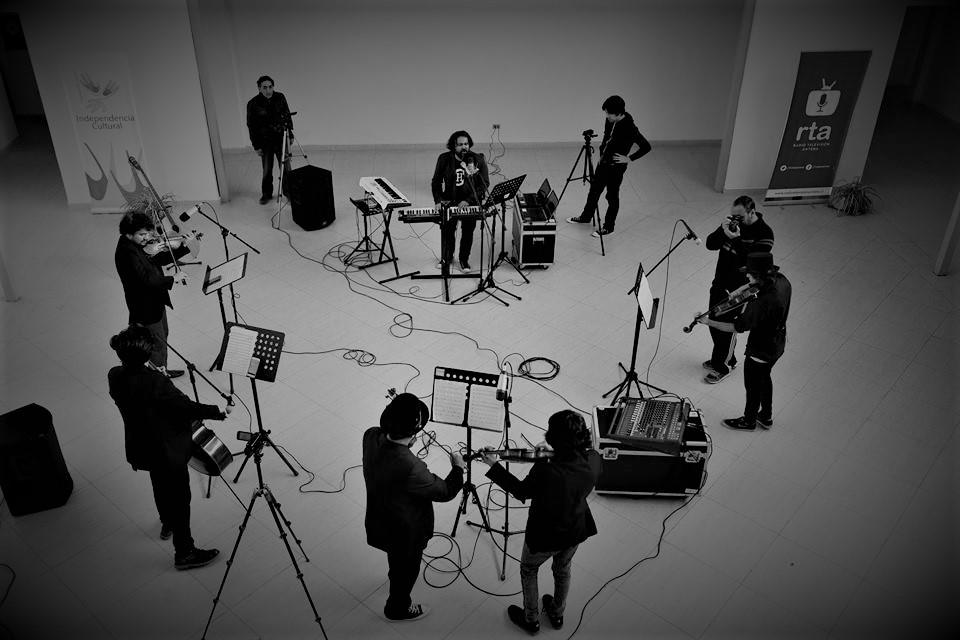 Oscar Hauyon estrena nuevo disco y sesión audiovisual que mezcla sonidos clásicos y electrónicos
