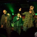 Matiah Chinaski afirmando el rap chileno: «Traje Paltas» con los amigos