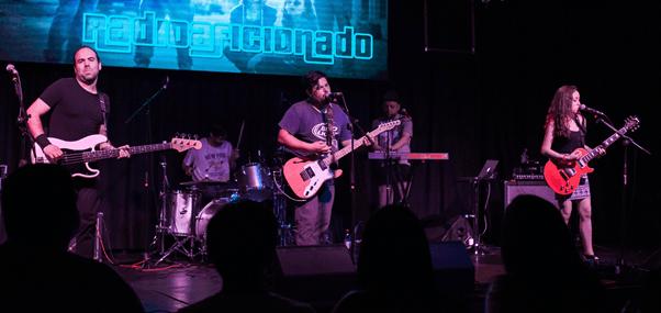 Radioaficionado despide su exitoso disco debut en Sala SCD Egaña (28 marzo)