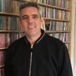 """Sebastián Milos, creador de Suena Chile: """"Se puede pagar más a las bandas chilenas"""""""