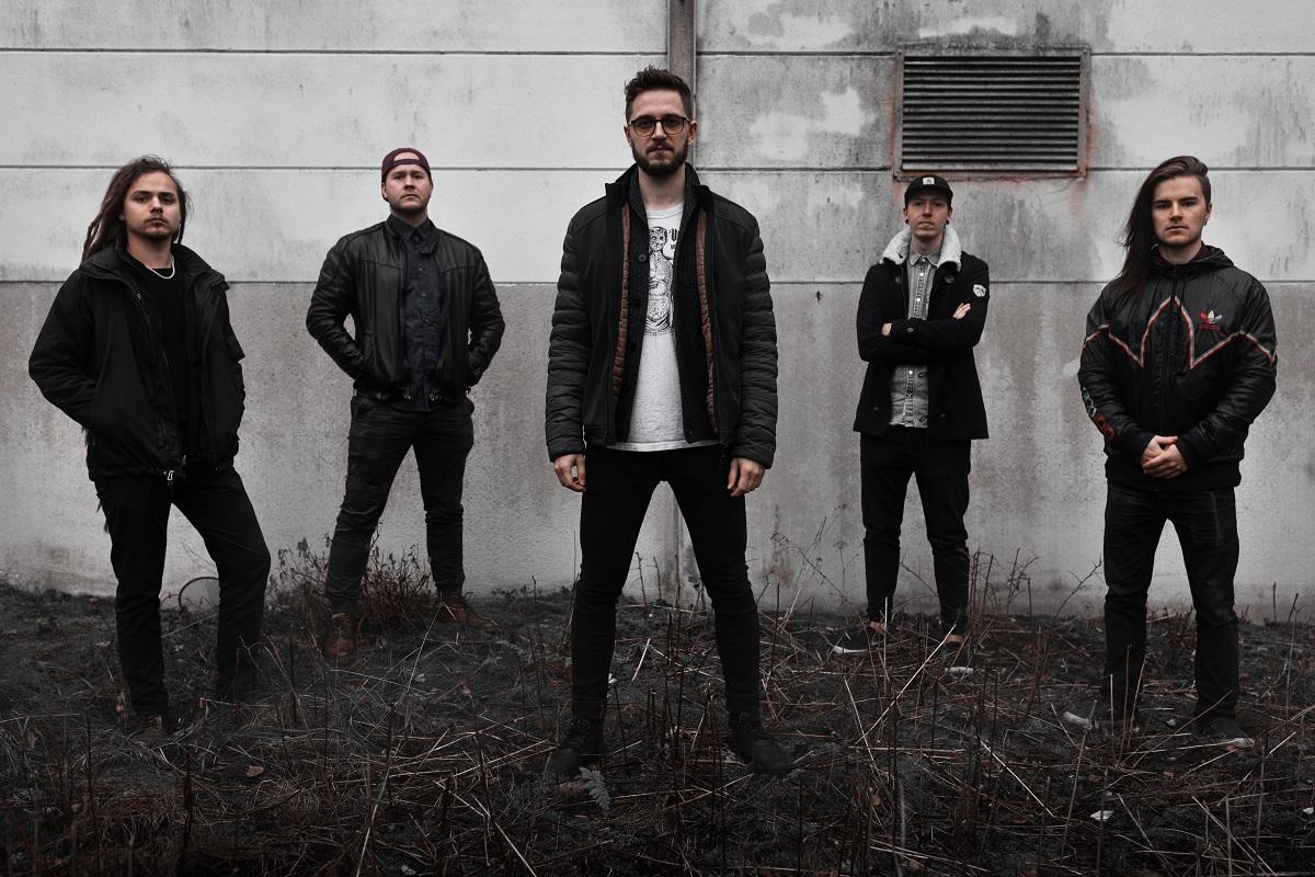 La banda finlandesa de Metalcore I AT LAST lanzó un nuevo adelanto de su próximo EP debut