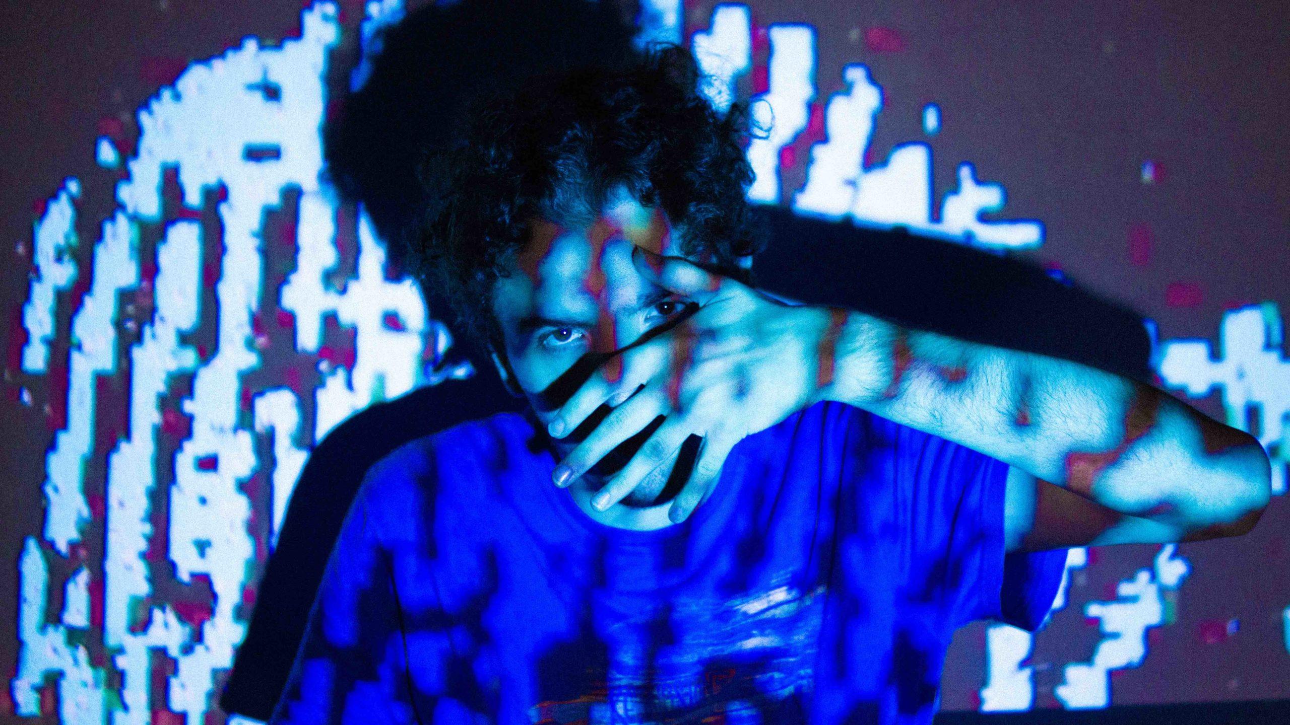 Van Klimen de Argentina estrena EP debut «Hiperreal» (2020)