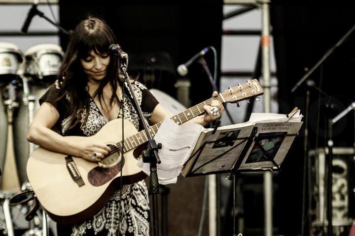 Javiera Parra se presentará en el concierto solidario «Comida para todos»