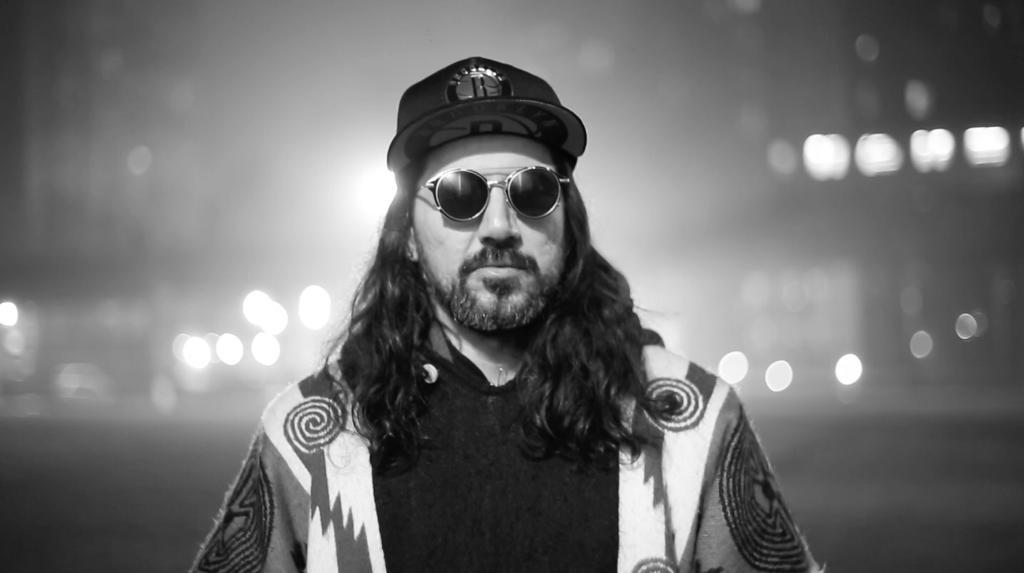 """Músico multi-instrumentista Víctor Vildósola, representa a CHILE en el """"Make Music New York"""" de World Music Day bajo su proyecto ALE MEDINA"""