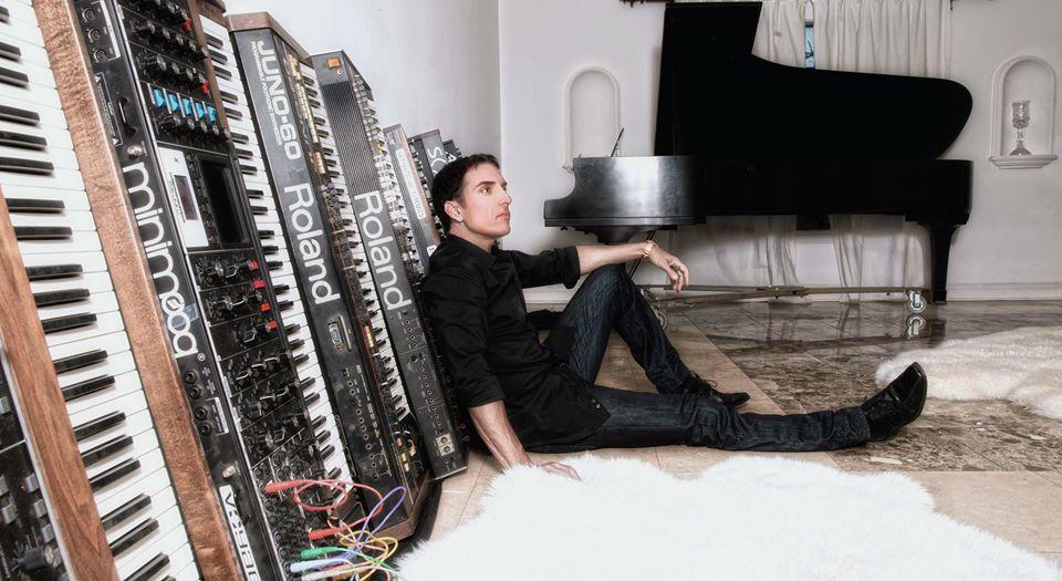DEREK SHERINIAN (Estados Unidos) presenta single/vídeo, «Dragonfly»