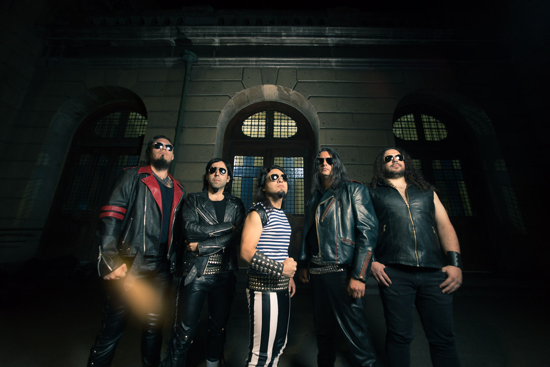 Ikelos presenta nuevo single » Voices in my head» (2020)