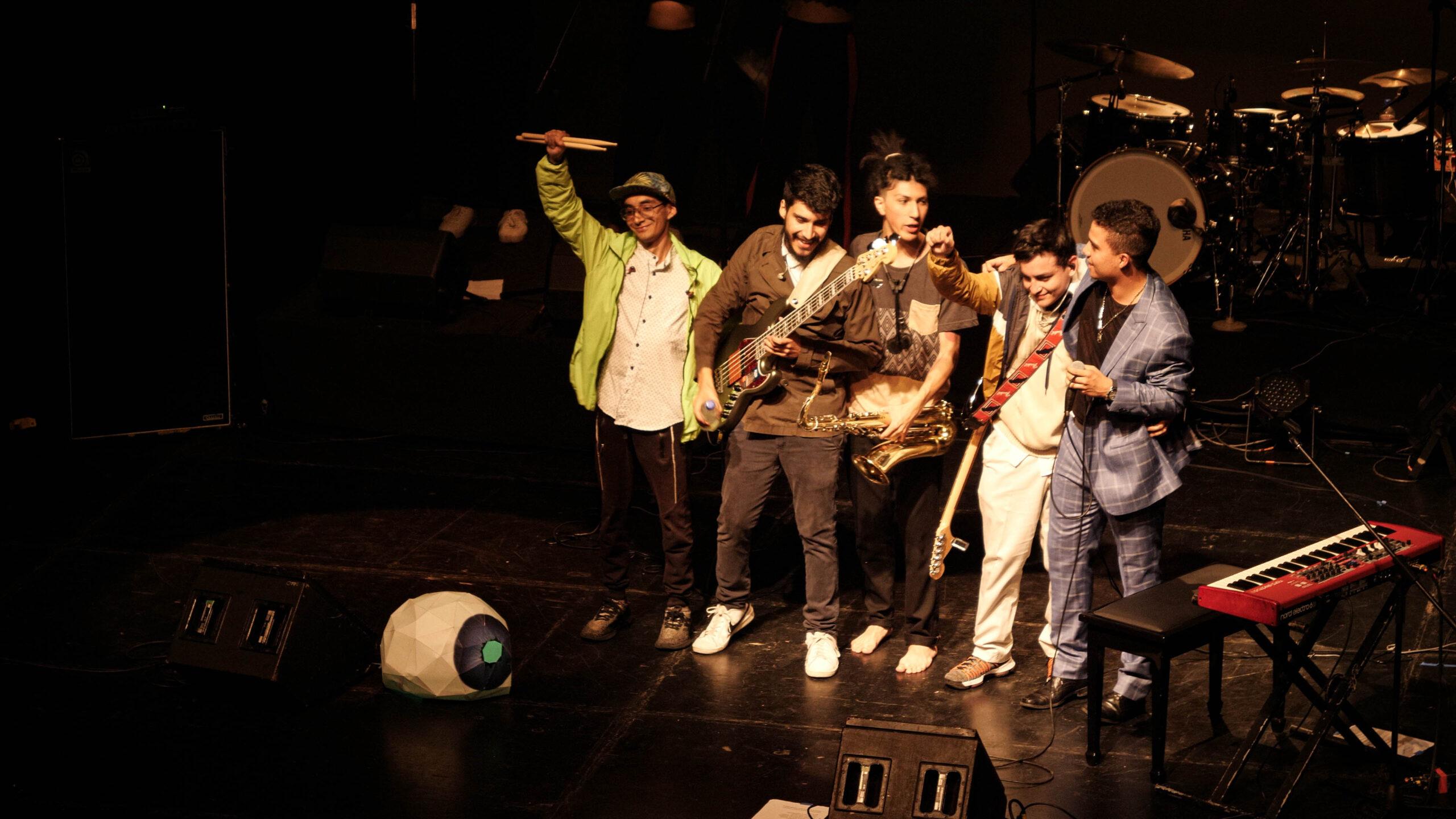 Sumo Semblante (Ecuador)presenta single «Manipular» (2020)