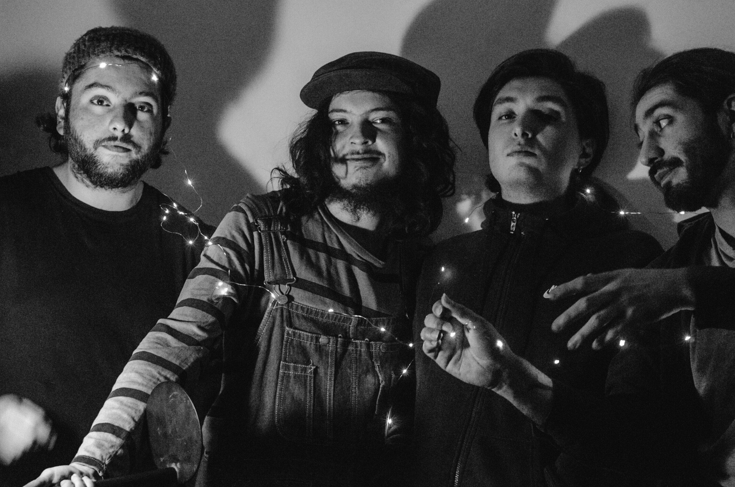 """Marcelo Aguayo de Cuales i Quienes: """"Esperamos que este nuevo disco sea una invitación a los artistas a romper con los esquemas de la música actual."""""""