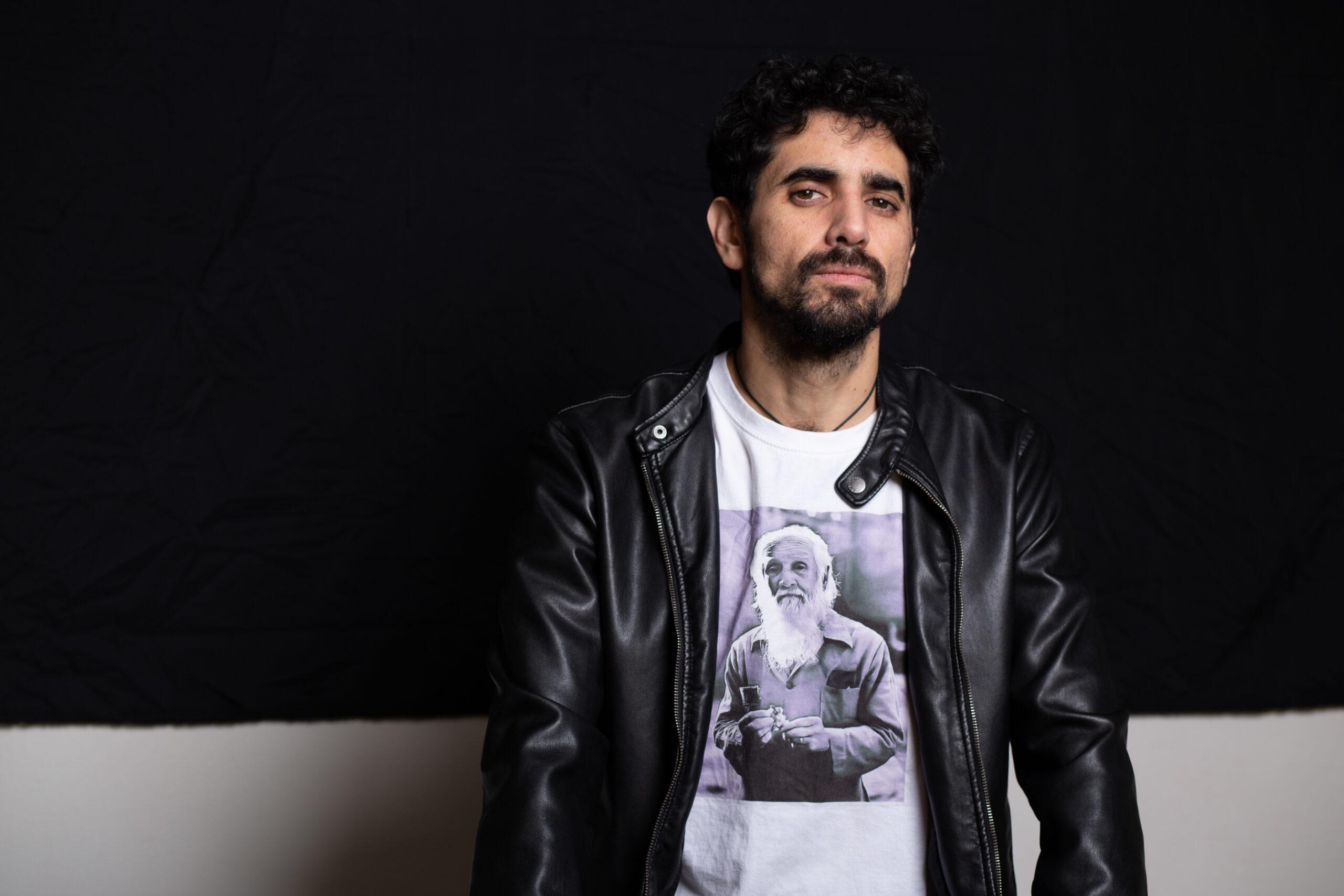 """Sebastián Córdova estrena videoclip """"Si te pillo en la calle"""" (2020)"""