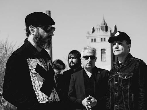 Los Planetas (España) publican su nueva canción «El rey de España» (2021)