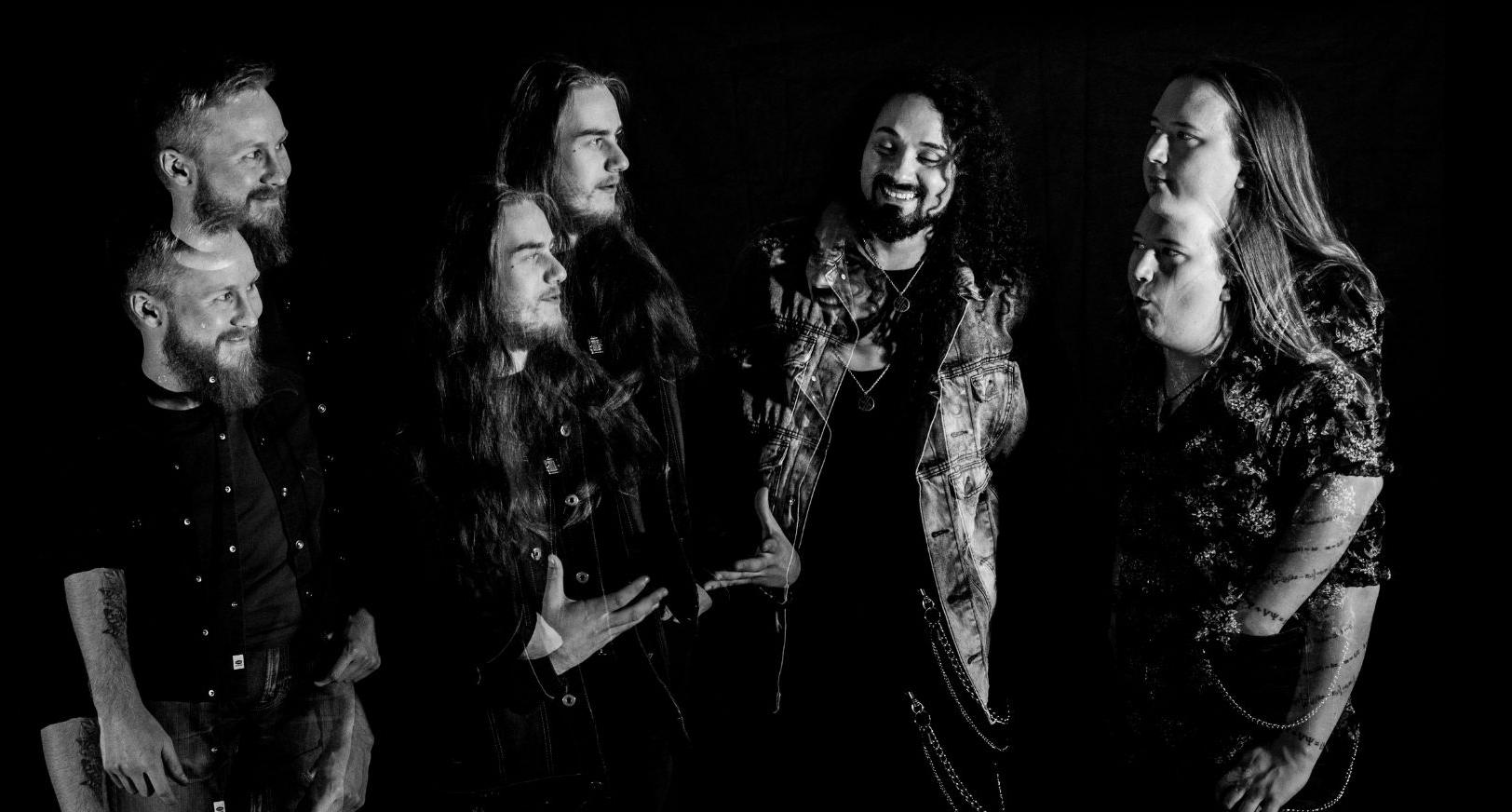 Erick Ávila presenta single «Songo» junto a banda finlandesa