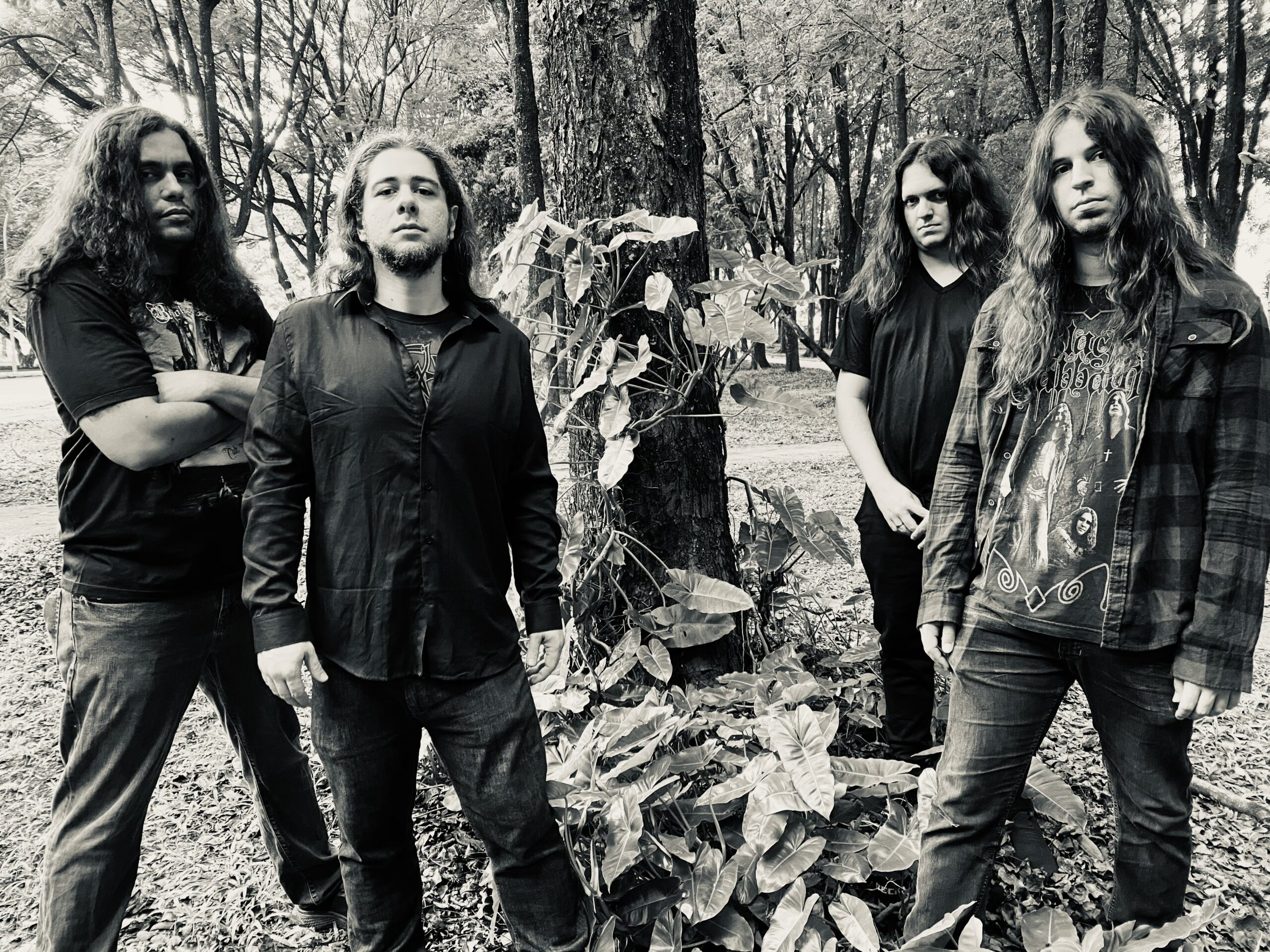 "Beholder's Cult (Brasil) presenta álbum debut ""Our Darkest Home"" (2021)"